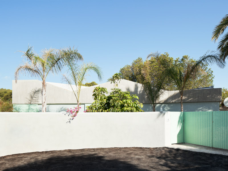 Casa Baladrar by Langarita-Navarro arquitectos - foto © Luis Diaz Diaz