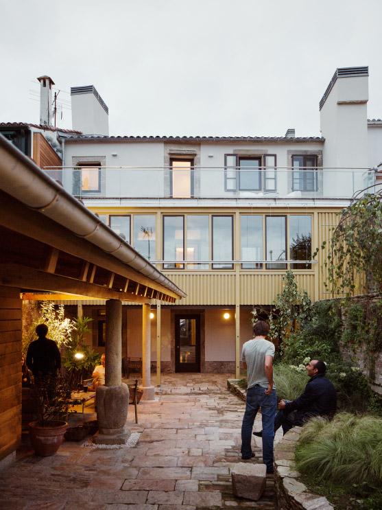Rua_do_medio_ARKB_arquitectos_foto_Luis_Diaz_Diaz_24cut