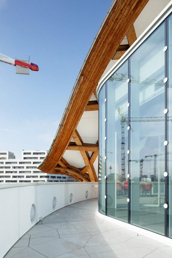 Salle_Restauration_Pompidou_Metz_by_Studiolada_photo_Luis_Diaz_Diaz_04