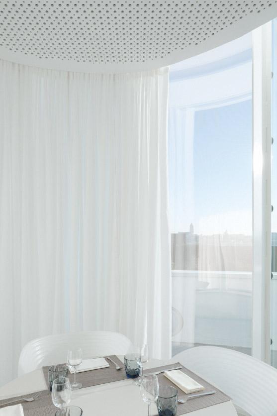 Salle_Restauration_Pompidou_Metz_by_Studiolada_photo_Luis_Diaz_Diaz_26